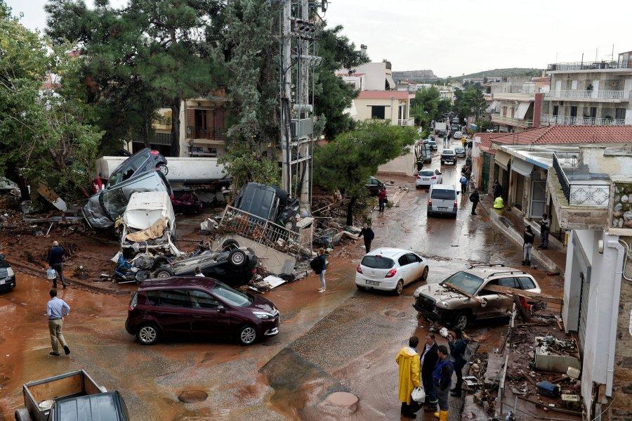 Ο Ευθύμιος Λέκκας καταθέτει για τις πλημμύρες στη Μάνδρα Αττικής