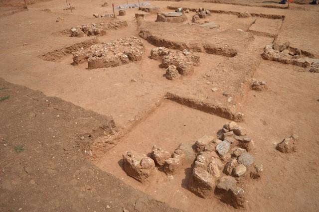 2. Άσσηρος, άποψη παλαιοχριστιανικού νεκροταφείου