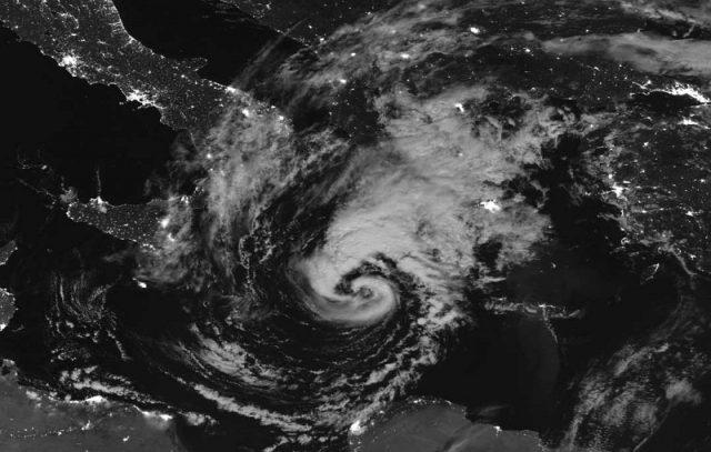Μεσογειακός+κυκλώνας+Πηγή+NASA+SuomiNPP
