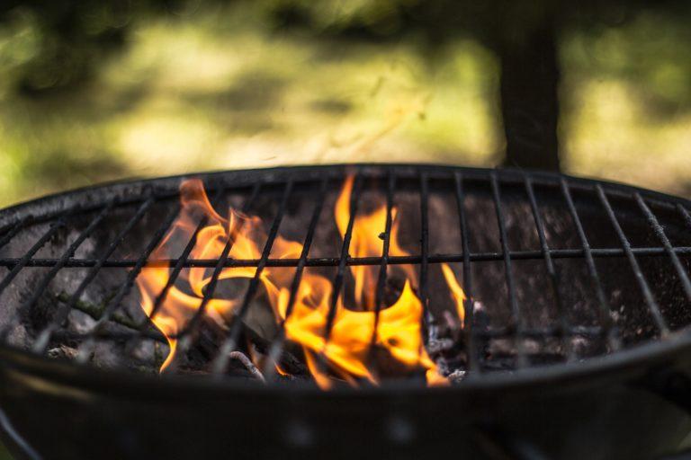 Αποτέλεσμα εικόνας για χρήση κάρβουνων ή ξύλων για το μαγείρεμα