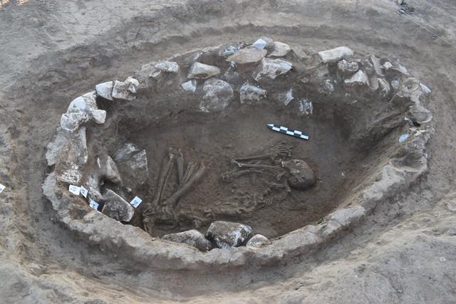 03. Περδίκκας, Νεκροταφείο Πρώιμης Εποχής Χαλκού