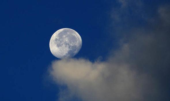 Τεχνητό φεγγάρι
