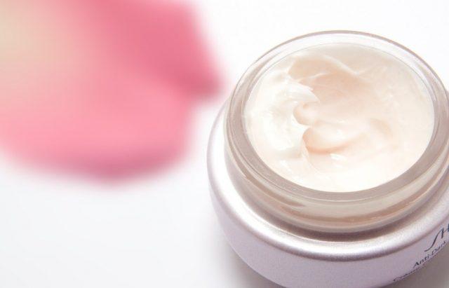 cream 194116 960 720