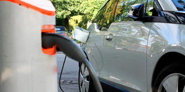 ηλεκτρικά οχήματα
