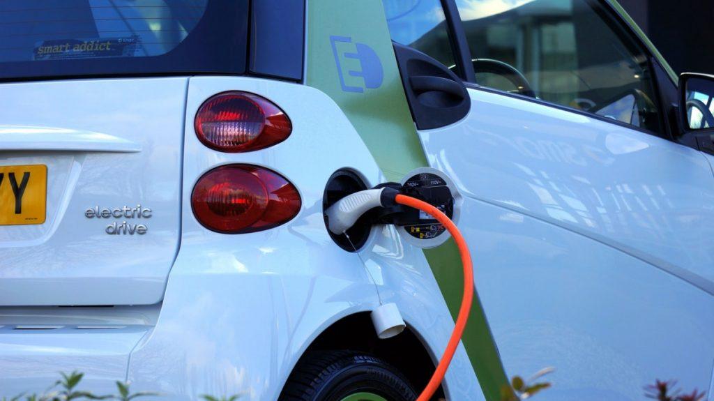 Μέτρα 100 εκατ. ευρώ για την προώθηση της ηλεκτροκίνησης, ανακοίνωσε ο Κ. Μητσοτάκης