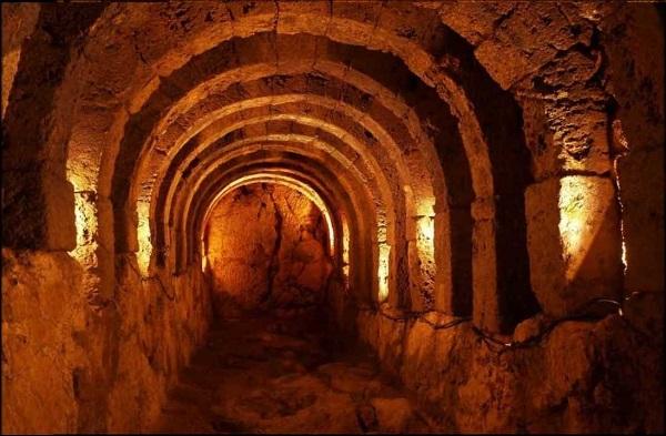 Αρχαιολογικός Χώρος Νεκρομαντείου