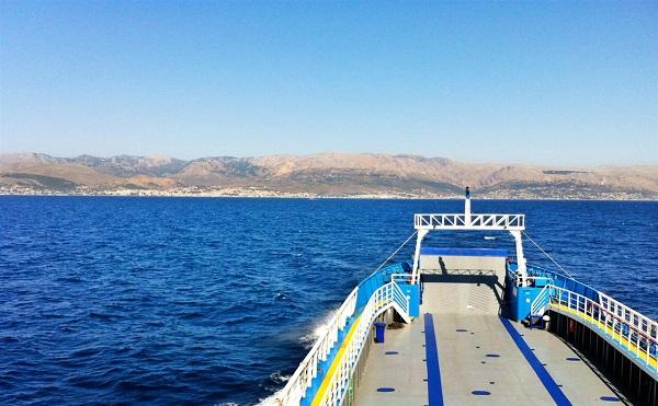 Lavrio Cesme ferry