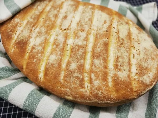 Ψωμί σε γάστρα