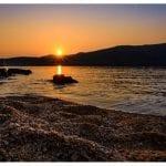Ηλιοβασίλεμα στην παραλία της Βαγιάς στη Σέριφο