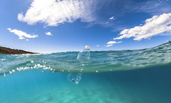 πλαστικό στις θάλασσες