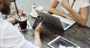 laptop cafe wi-fi 2
