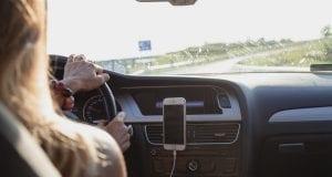 Οδηγός - αυτοκίνητο