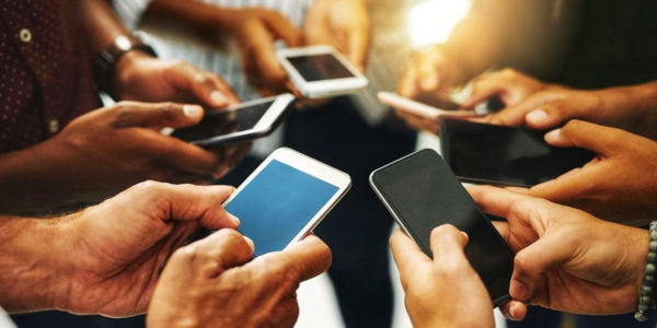 smartphones κινητά