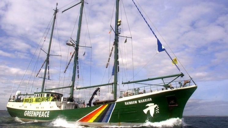 GREENPEACE SHIP RAINBOW WARRIOR LEADS A PEACEFULL PROTEST IN DUBLIN BAY.