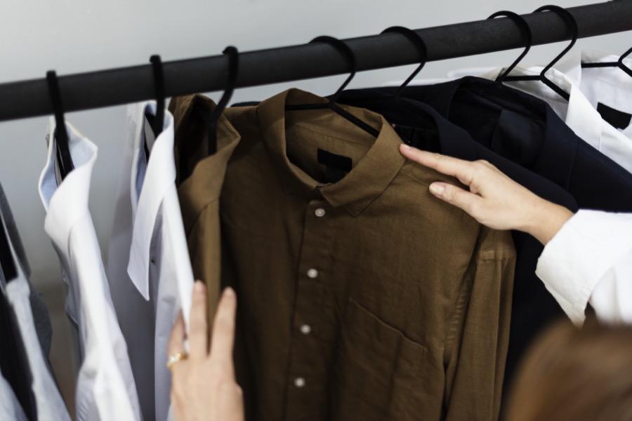 δώρισε ρούχα