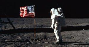 Νιλ Άρμστρονγκ, Απόλλο 11, Φεγγάρι, NASA