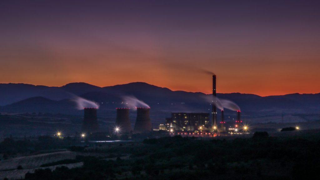 λιγνιτικές μονάδες, εργοστάσιο, φουγάρα, ενέργεια