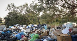 Σκουπίδια στην Κέρκυρα