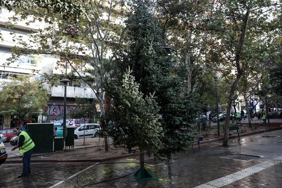Χριστουγεννιάτικο δέντρο στα Εξαρχία 2019