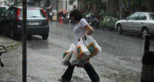 Πλαστική σακούλα, σακούλες, καταιγίδα, βροχή