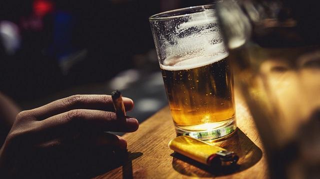 Αλκοόλ και κάπνισμα