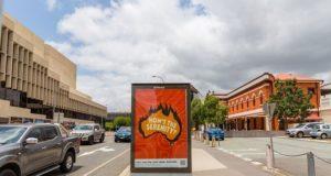 Αφίσες καλλιτεχνών στην Αυστραλία απεικονίζουν την κλιματική κρίση Bushfire Brandalism