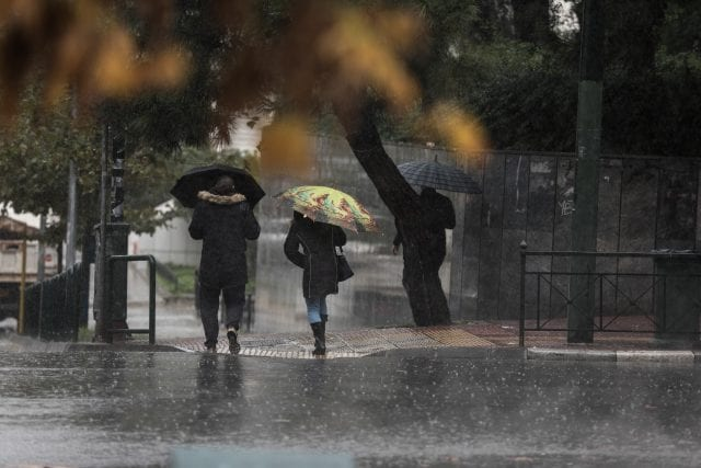 Βροχή, βαρομετρικά χαμηλά