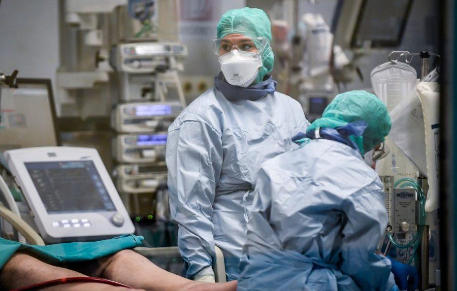 Κορονοϊός: Οδηγίες διαχείρισης του στρες των επαγγελματιών υγείας