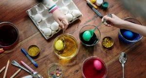 Κόκκινα αυγά - Πάσχα - βάψιμο αυγών