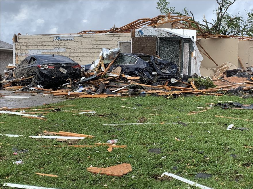 Λουιζιάνα: Σαρωτικό το πέρασμα ανεμοστρόβιλου - Ισοπέδωσε σπίτια και το αεροδρόμιο