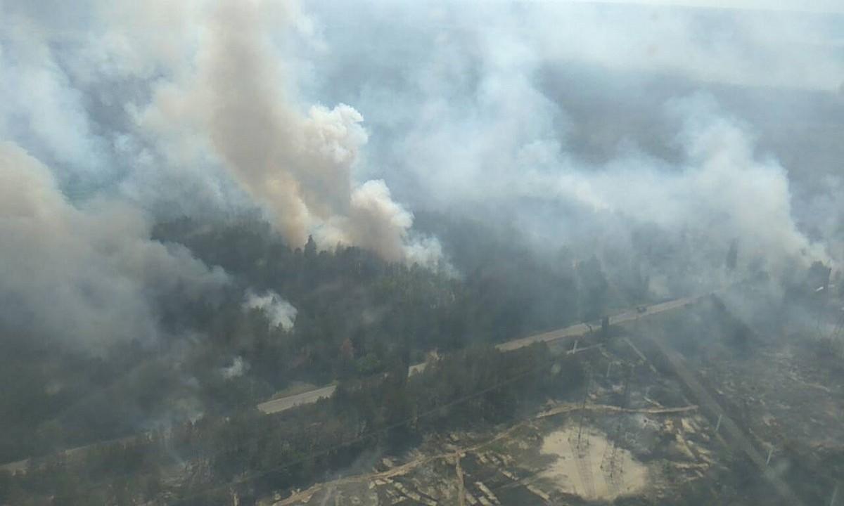 Μεγάλη πυρκαγιά κοντά στο Τσερνόμπιλ προκαλεί αύξηση της ραδιενέργειας