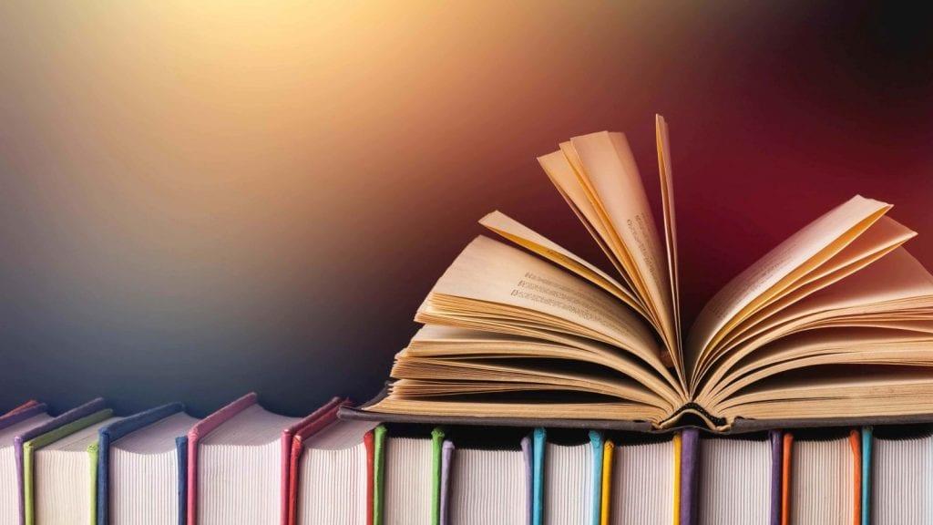 ΟΑΕΔ: Ξεκινούν σήμερα οι αιτήσεις για τα voucher αγοράς Βιβλίων