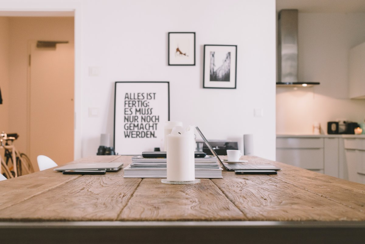 Ξύλινο τραπέζι - Σαλόνι