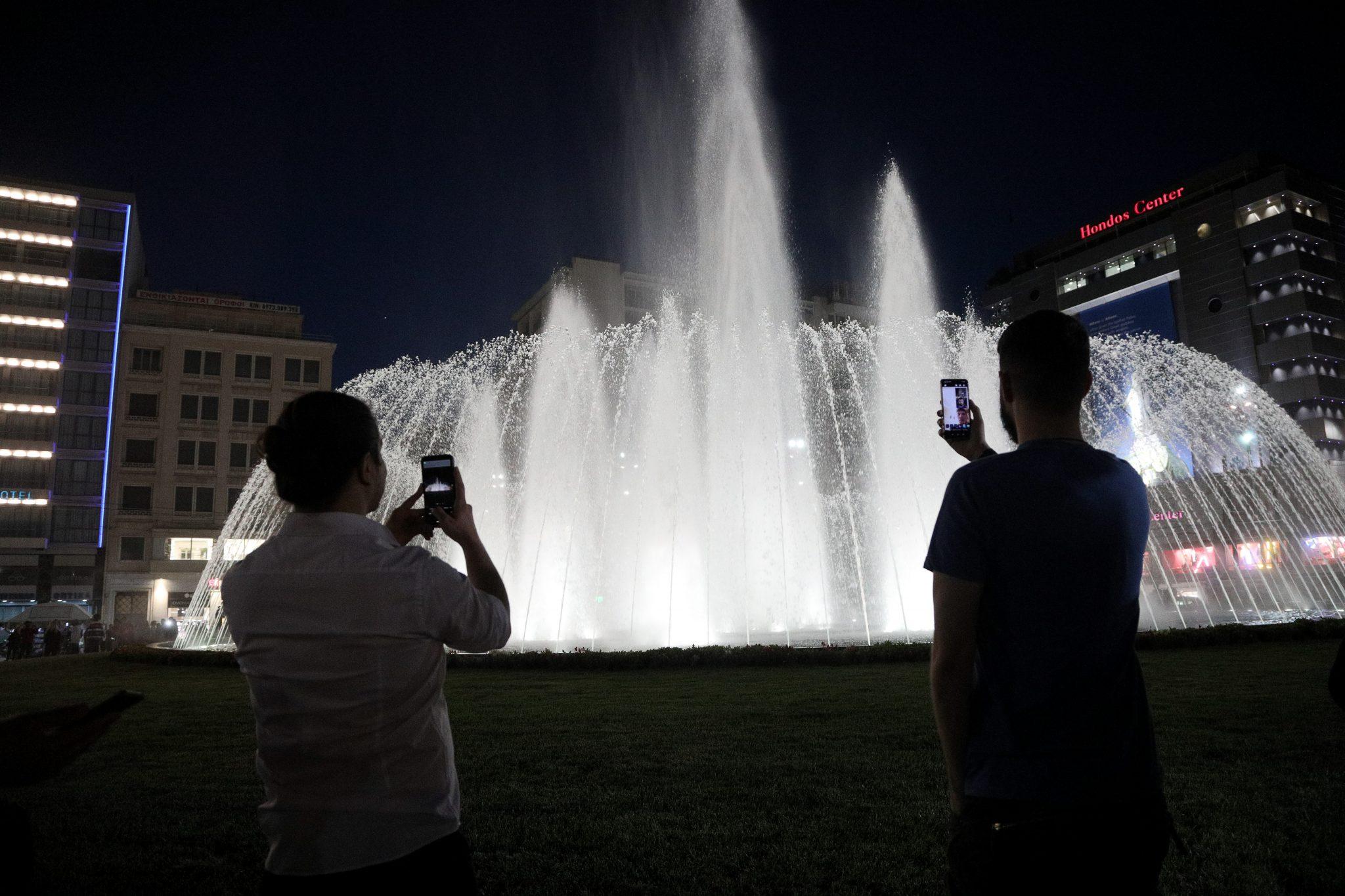 Διαθέσιμη και επίσημα η πλατεία Ομόνοιας - Το σιντριβάνι και τα χαρακτηριστικά του
