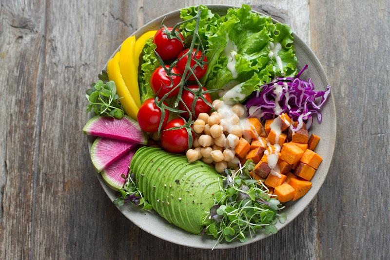 Διατροφή: Σαλάτα με φρούτα και λαχανικά