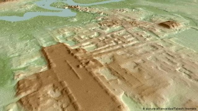 Η κατασκευή των Μάγια του Takeshi Inomata