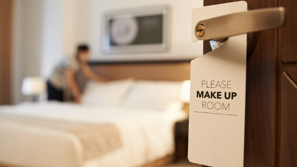 Τι θέλουν να γνωρίζουν οι ταξιδιώτες που μένουν σε ξενοδοχείο