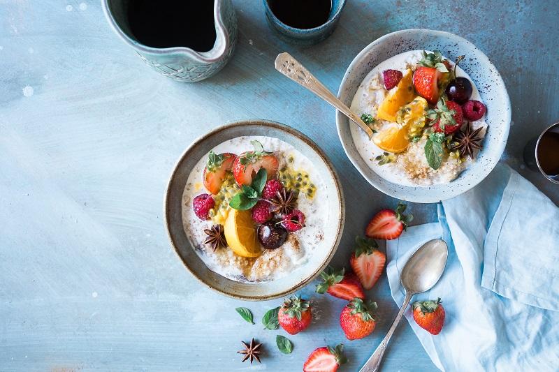Φρέσκιες ιδέες για ισορροπημένα και απολαυστικά πρωινά το καλοκαίρι