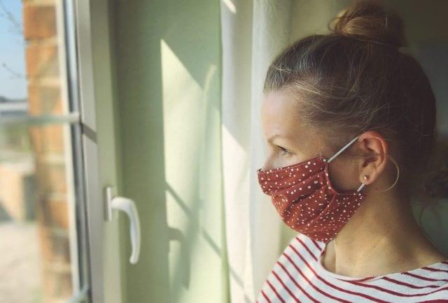 μάσκα για COVID-19