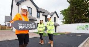Στην Σκωτία φτιάχνουν δρόμους με πλαστικά μπουκάλια