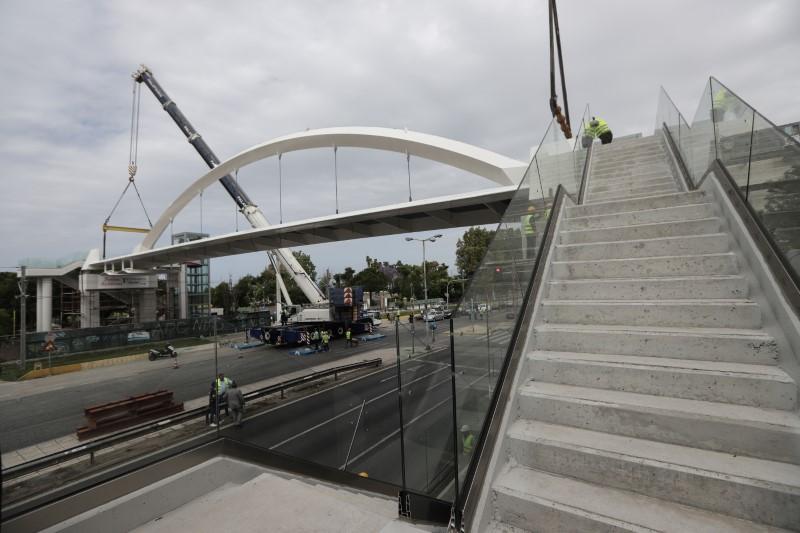 Ποσειδώνος: Γεγονός η νέα πεζογέφυρα! (φωτό)