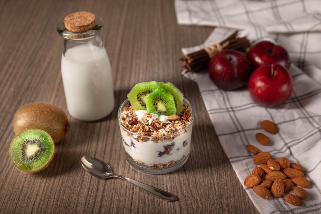 Πως θα ενισχύστε την γονιμότητα σας μέσω της διατροφής - Γεύμα με γιαούρτι και σύνθετους υδατάνθρακες