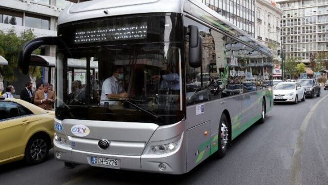 Ηλεκτροκίνητο λεωφορείο κάνει πιλοτικές διαδρομές στην Αθήνα