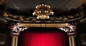 Live steaming θέατρο