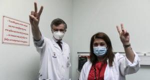 Εμβολιασμός του Λοιμοξιολόγου Σωτήρη Τσιόδρα, στο Νοσοκομείο Αττικόν την Κυριακή 27 Δεκεμβρίου 2020. (EUROKINISSI/ΤΑΤΙΑΝΑ ΜΠΟΛΑΡΗ)