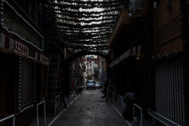 Κλειστά καταστήματα στου Ψυρρή την Δευτέρα 4 Ιανουαρίου 2021. (EUROKINISSI/ΒΑΣΙΛΗΣ ΡΕΜΠΑΠΗΣ)