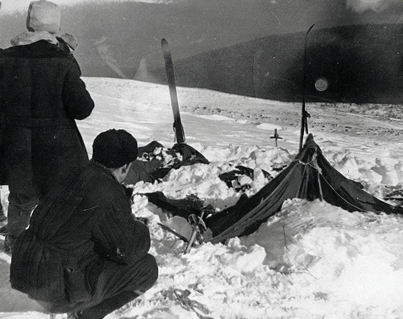 Dyatlov Pass Η κομμένη τέντα όπως την βρήκαν στις 26 02 1952 wikipedia commons