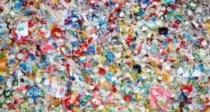 πλαστικά σκουπίδια