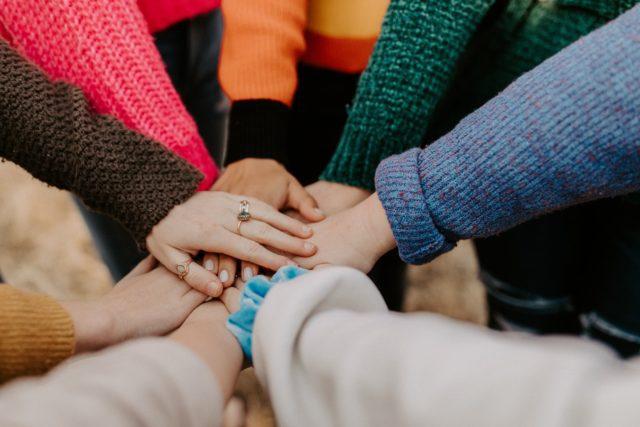 φιλία friendship ενότητα