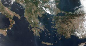 Τα μέτωπα της φωτιάς στην Ελλάδα και τον κόσμο μέσω δορυφόρου